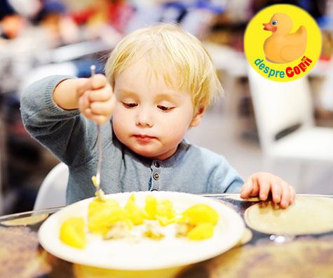 Cu copilul la restaurant: 10 sfaturi