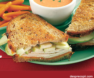 Sandwich cu mere si curcan