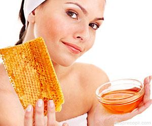 8 masti cu miere pentru tratarea acneei