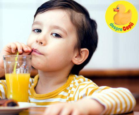 Sucurile din fructe afecteaza sanatatea dintilor copiilor