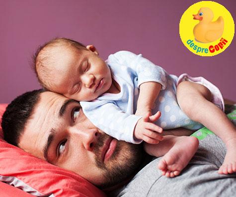 Cand bebe doarme in acelasi pat cu parintii: dezavantaje care raman deseori ne-rostite