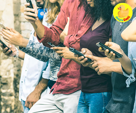 Viata secreta a fetelor adolescente: efectele retelor sociale asupra lor