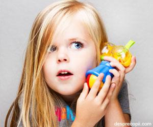 Jucariile muzicale pot afecta auzul copiilor