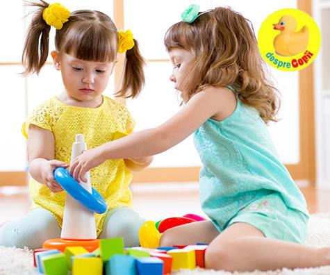 De ce jucariile sunt investitii in dezvoltarea copilului tau