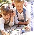 Negocierile copiilor: A schimba jucarii cu prietenii