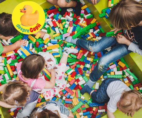 LEGO,  jucaria preferata a copiilor isteti si parintilor lor - chiar daca doare cand calcam pe piesele inprastiate prin casa