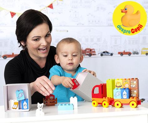 O lume întreagă într-un univers LEGO® DUPLO® sau cum învață copilul totul despre cum funcționează lumea