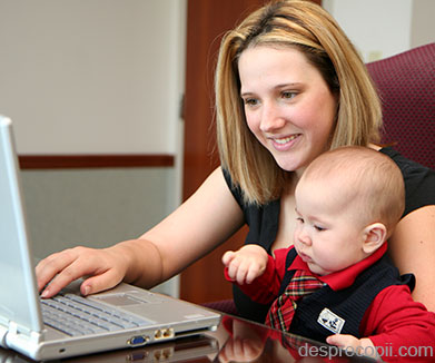 In concediu, parintii pot obtine venituri fara sa le fie suspendata indemnizatia de crestere a copilului