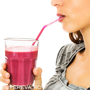 3 retete de smoothie care stimuleaza metabolismul